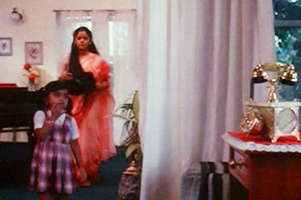 Geethu Mohandas and Asha Jayram in Onnu Muthal Poojyam Varey (1986)