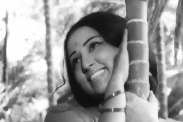 Nandita Bose in Swapnam (1973)