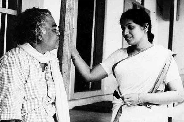Adoor Bhasi and Kaviyoor Ponnamma in Cheriyachante Kroora Krithyangal