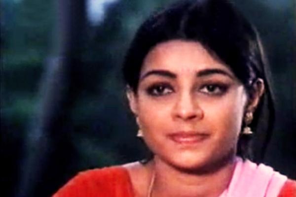 Neelima's debut in Kaliyil Alpam Karyam (1984)