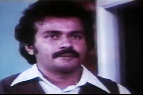 Venu Nagavally in Lekhayude maranam Oru Flashback