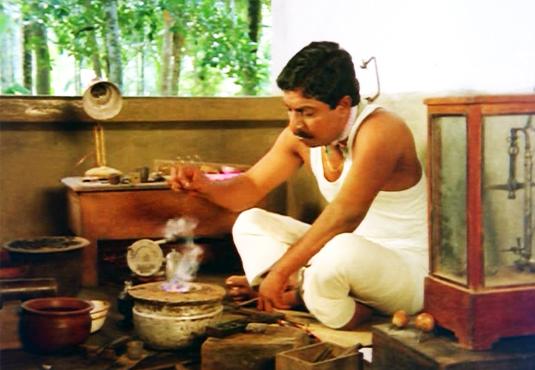 Sreenivasan in Ponmuttayidunna Thaaravu