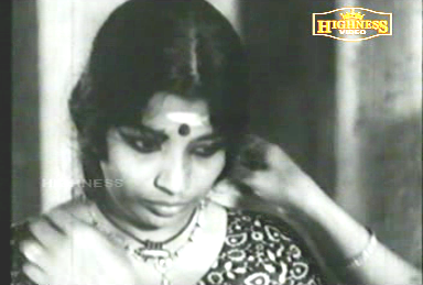 Kuttyedathi gets all dressed up