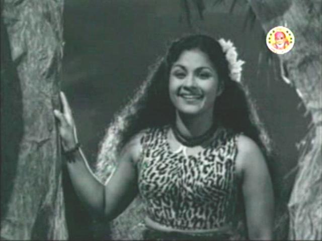 Miss Kumari in Aana Valarthiya Vanambadi (1960)