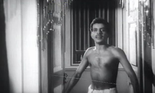 Bhargavinilayam (1964) - Introducing Kuthiravattam Pappu