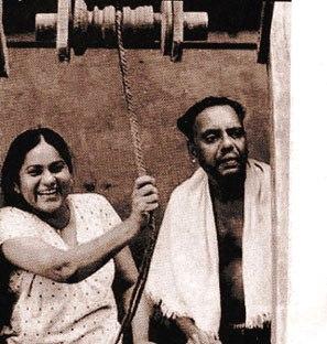 Oduvil and KPAC Lalitha in Kathapurushan (1995)
