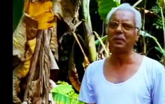Oduvil Unnikrishnan in Oru Cheru Punchiri (2000)