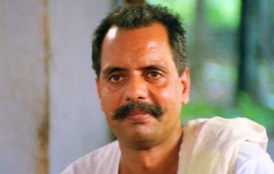 Oduvil Unnikrishnan in Ponmuttayidunna Thaaravu (1988)