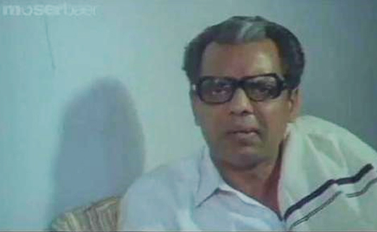 Oduvil Unnikrishanan in Kudumbapuranam(1988)