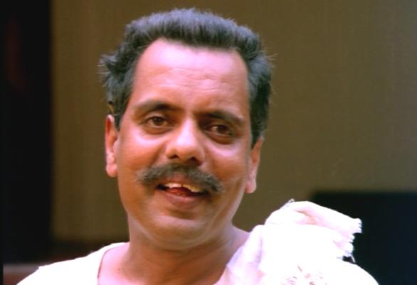 Oduvil Unnikrishnan in Ponmuttayidunna Tharavu
