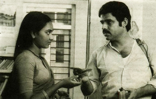 Balachandra Menon and Usha in Kandathum Kettathum (1988)