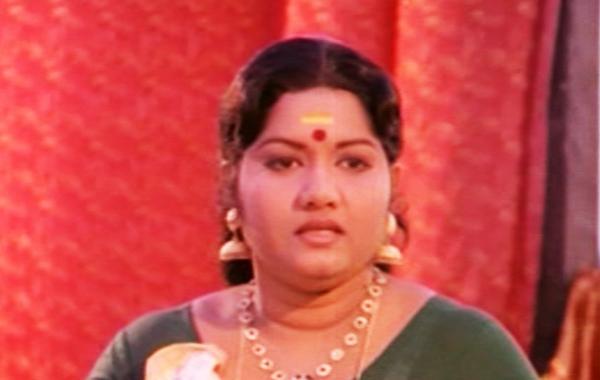 Meena in Kadathanaattu Maakam