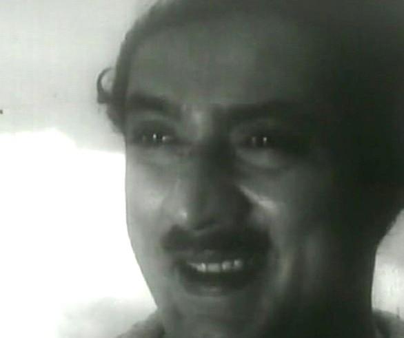 Jose Prakash in Olavum Theeravum
