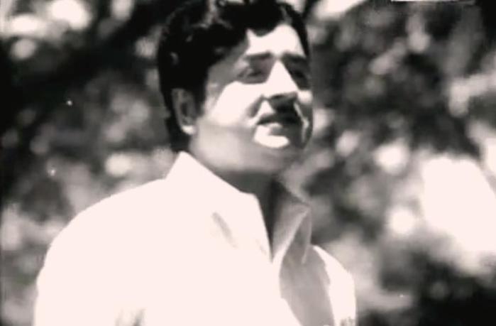 Prem Nazir in Shaasthram Jayichu Manushyan Thottu [1973]