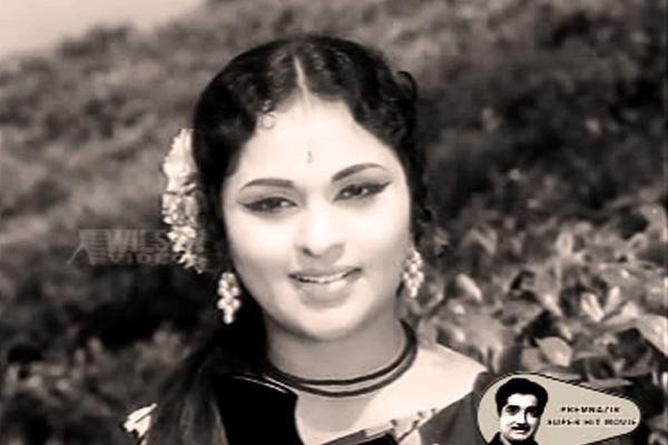 Vijayasree in Maravil Thirivu Sookshikkuka