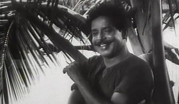 Chellappan on the run - Anubhavangal Palichakal (1971)