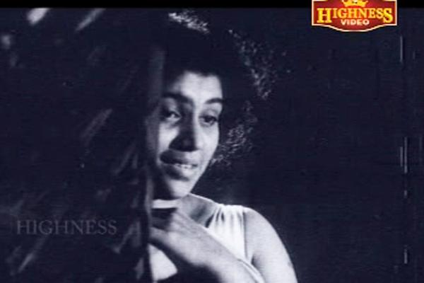 Kaviyoor Ponnamma in Odayil Ninnu (1965)