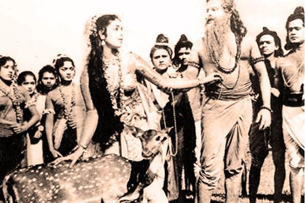 KR Vijaya and Thikkurissy Sukumaran Nair in Shakunthala (1965)