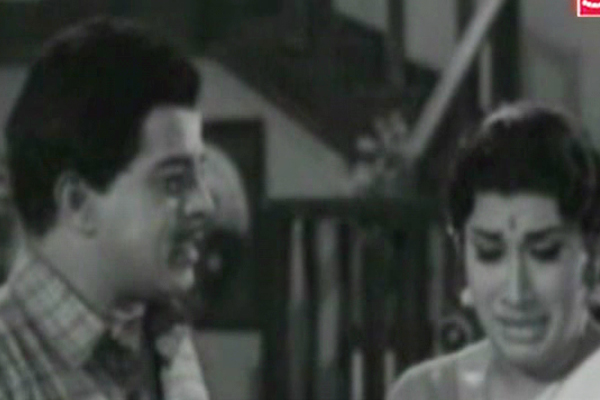 Sathyan and Ambika in Mooladhanam (1969)