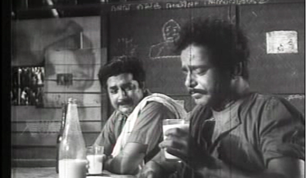 Sathyan and Prem Nazir in Anubhavangal Palichakal (1971)