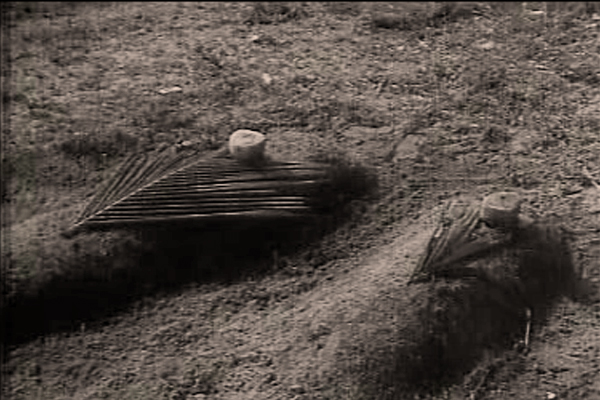 The Final Resting Place - Anubhavangal Palichakal (1971)