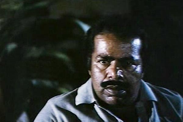 Thilakan in Namukku Parkkan Munthiri Thoppukal (1986)