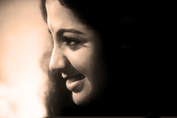 Srividya in Apoorva Ragangal (1975)