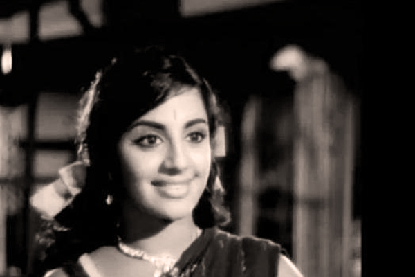 Srividya in Nootrukku Noor