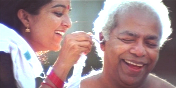 Thilakan and Manju Warrier in Kannezhuthi Pottum Thottu