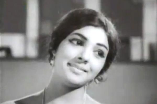 Usha Nandini in Makane Niankku Vendi (1971)
