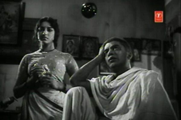 Iruttinte Athmavu- Velayudhan is getting out of hand
