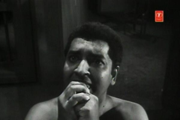 Iruttinte Athmavu -  Velayudhan undergoes another exorcism
