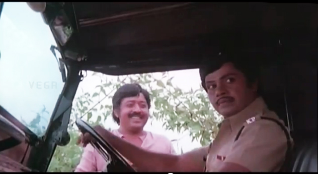 Jayan and Poojapura Ravi in Nayattu ( 1980 )