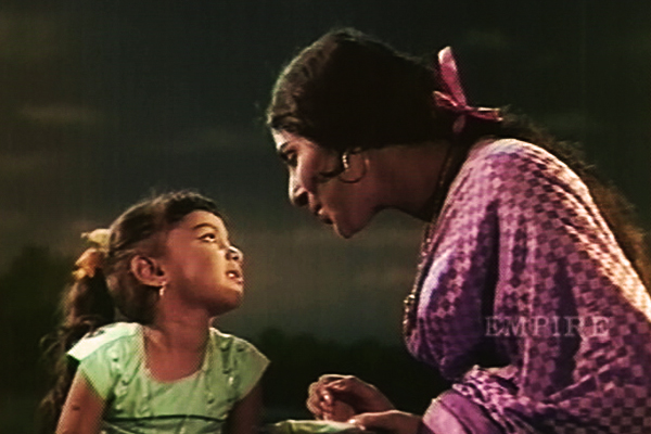Sarada and Baby Sumathi in Nadhi (1969)