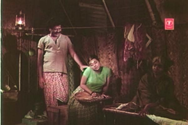 Parvati's uncle has an eye on her  too - Kanyakumari (1974)